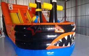 Şişme Korsan Köpekbalığı Kaydırak
